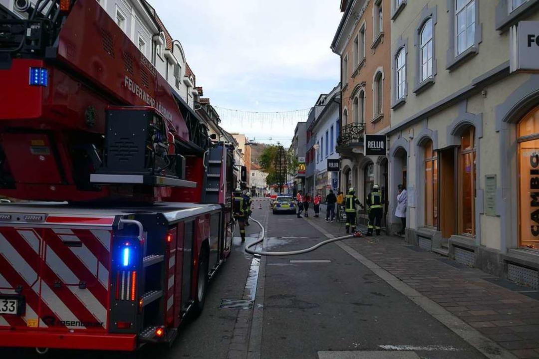 In der Grabenstraße kam es zu einem Kellerbrand.  | Foto: Sabine Ehrentreich