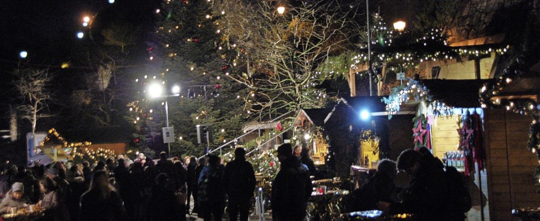 Die Besucher schwärmen Jahr für Jahr vom besonderen Flair der Altstadtweihnacht.  | Foto: Hildegard Siebold