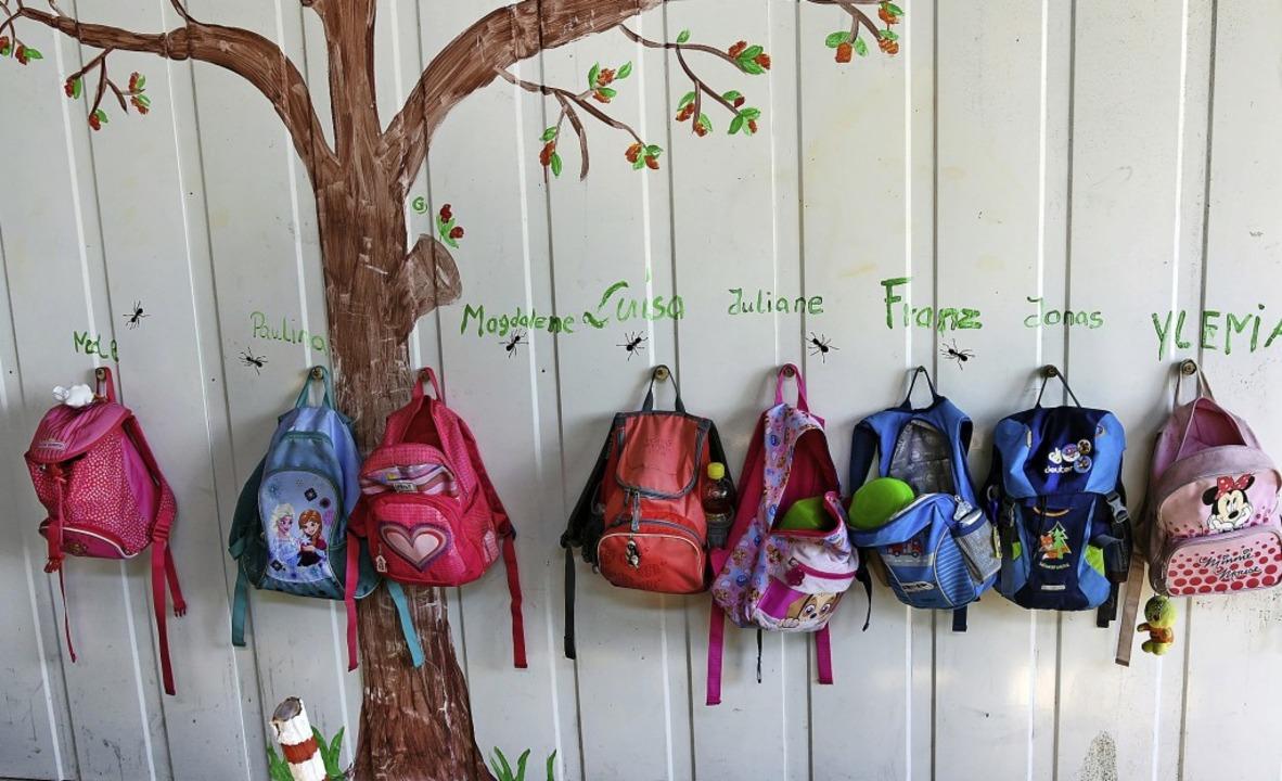 Nicht jeder Rucksack kann im Kindergar... nicht jedes Kind bekommt einen Platz.  | Foto:  Waltraud Grubitzsch