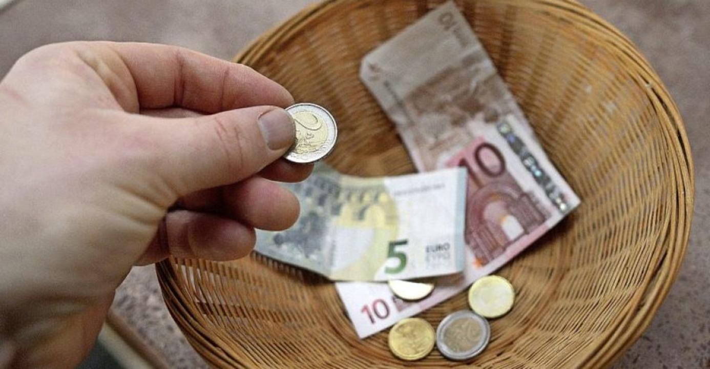 Jeder Euro an die Spendenaktion der Ba...; direkt, schnell und unbürokratisch.   | Foto: Henning Kaiser (dpa)