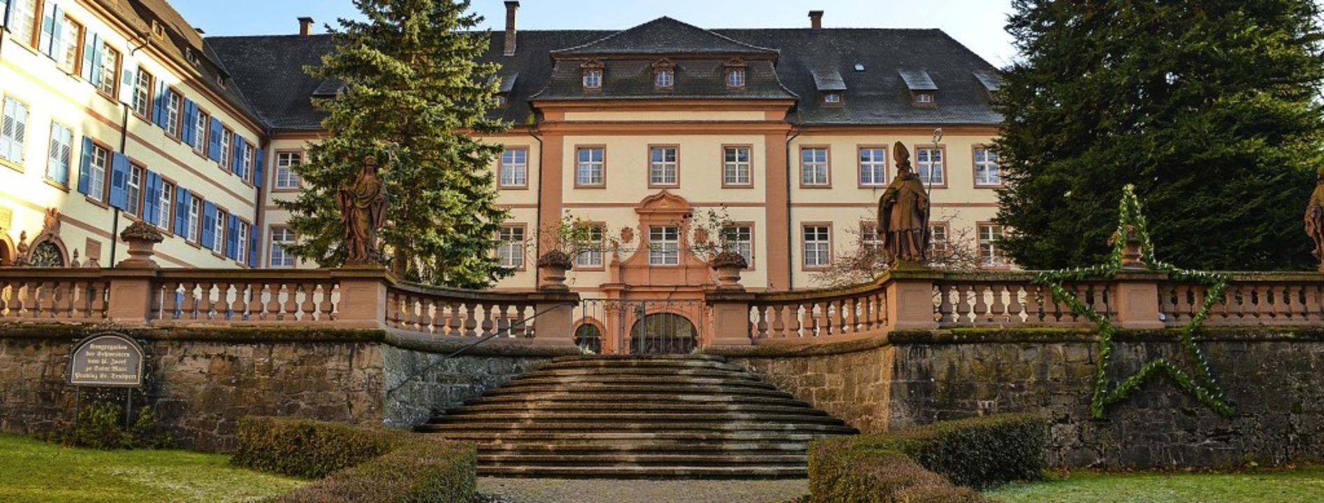 Ortsbildprägend fürs Münstertal: Das K...stern vom Heiligen Josef bewohnt wird.  | Foto: Gabriele Hennicke