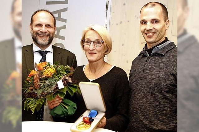Gemeinde ehrt Schwimmerin