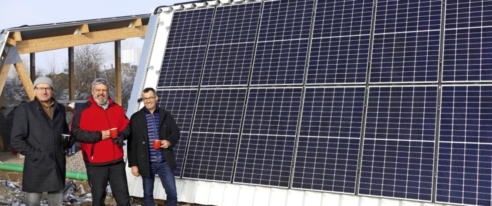 Das jüngste Projekt der solarcomplex A...nd Florian Armbruster (solarcomplex).     Foto: Juliane Kühnemund