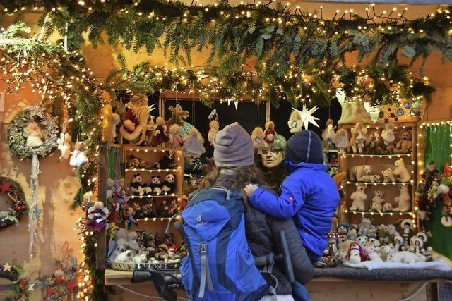 Großer Weihnachtsmarkt in der Altstadt von Bad Säckingen