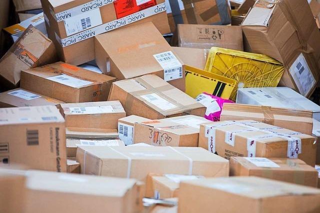 Zustellerin soll 130 Pakete im Wert von 10.000 Euro unterschlagen haben