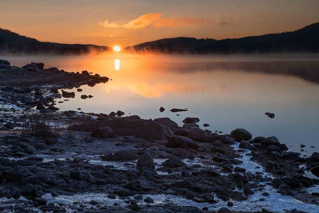 Sonnenaufgang am Schluchsee    Foto: Michael Jones