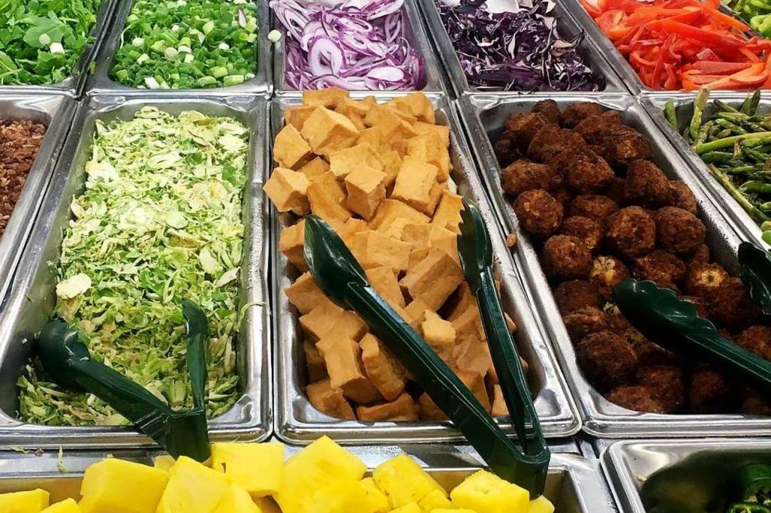 Könnte es bald öfter bei der Stadt Lahr geben: veganes Essen.  | Foto: OLIVIER DOULIERY (AFP)