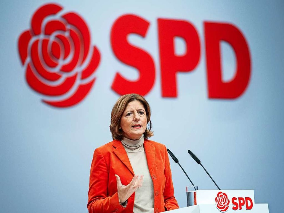 Malu Dreyer (SPD), Ministerpräsidentin...ialpolitik in den Mittelpunkt stellen.  | Foto: Bernd von Jutrczenka (dpa)