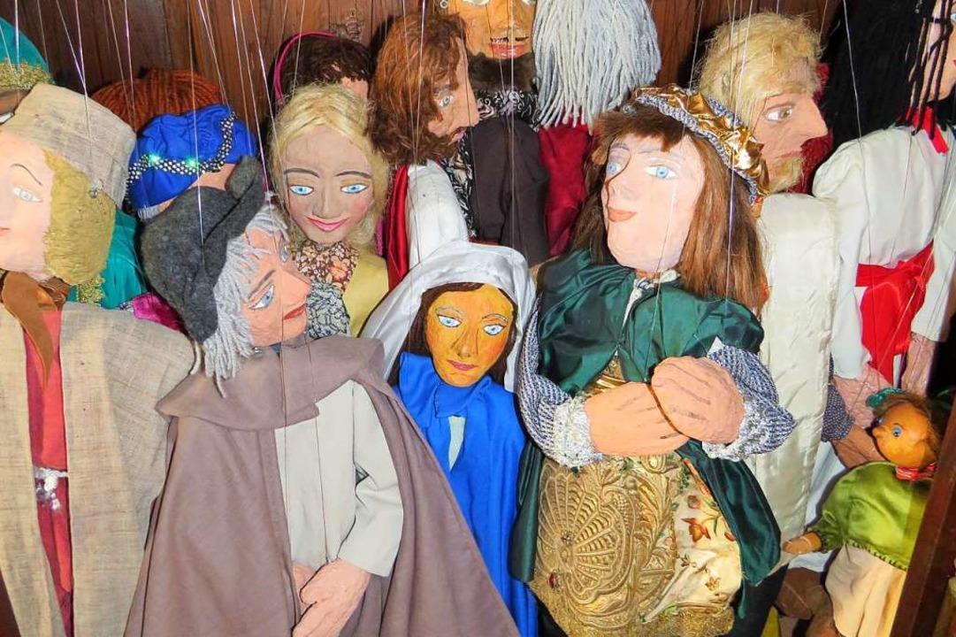 Rund 60 Puppen warten jedes Jahr auf i...von ihnen werden pro Stück ausgewählt.  | Foto: Claudia Gempp