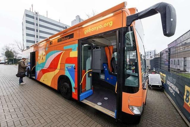 Duschbus für Obdachlose in Hamburg und Berlin