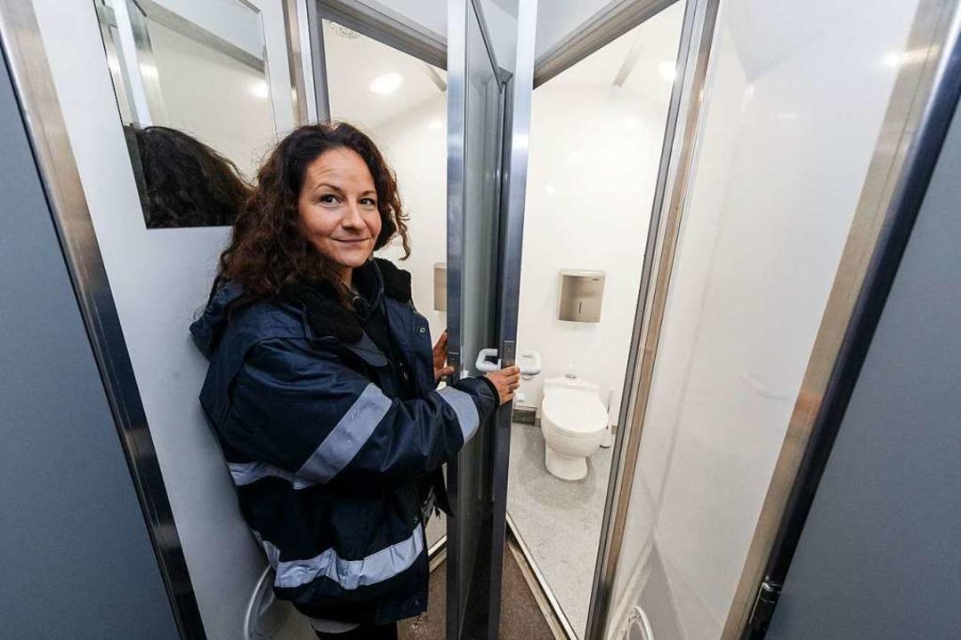 Stella Markotic, Ehrenamtskoordinatori... Wasch- und Duschräume für Obdachlose.  | Foto: Markus Scholz (dpa)