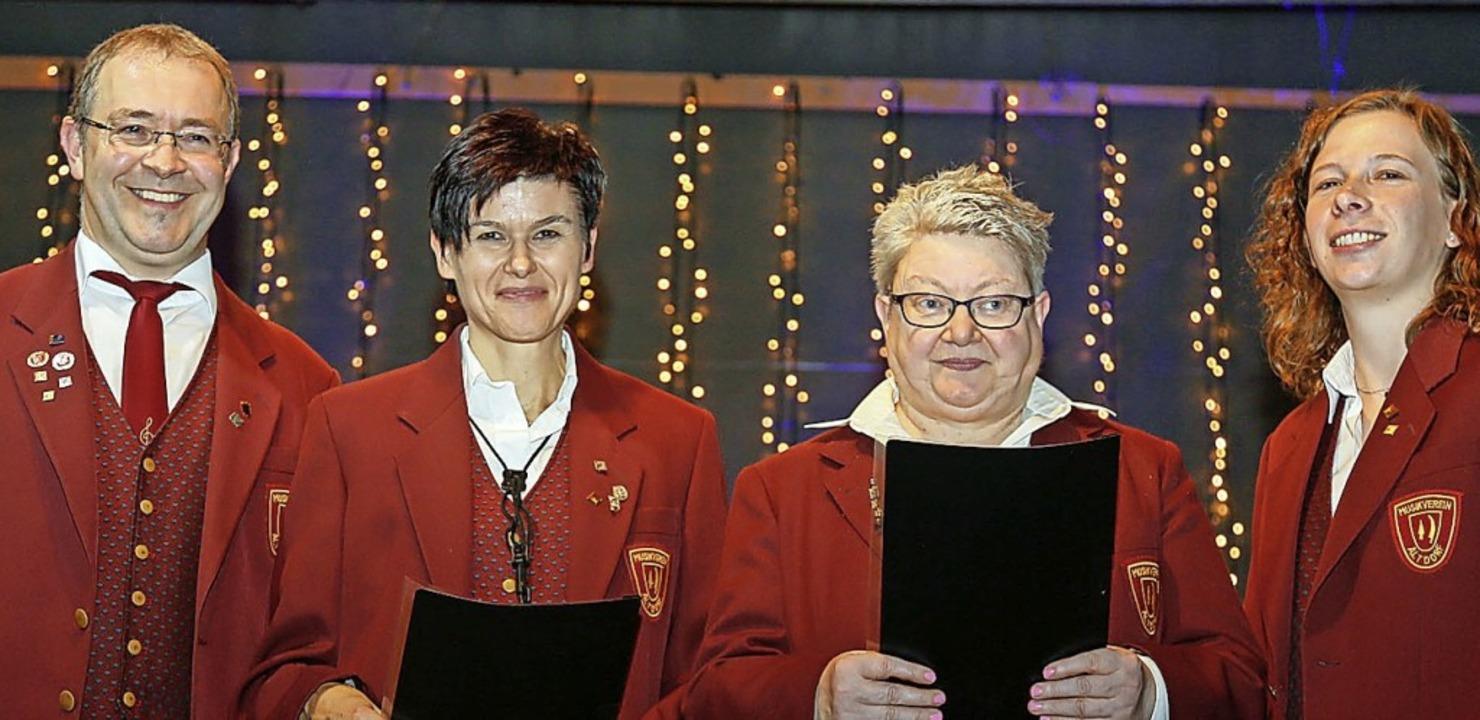 Ehrungen beim Klaus-Konzert (von links...lers Stellvertreterin Annika Möhringer  | Foto: Sandra Decoux-Kone