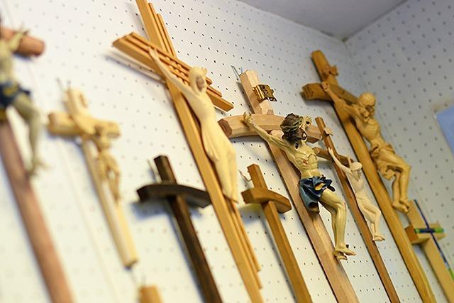 Richter sprechen Christen den Glauben ab - Kirchen protestieren
