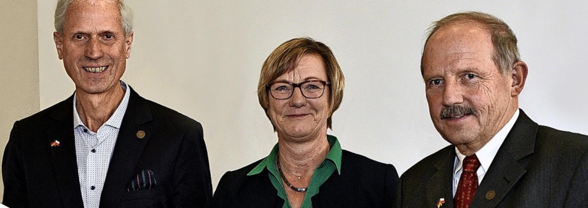 Reinhard Fernbach-Fahrensbach (links) ...ndes-Finanzministerin Edith Sitzmann.   | Foto: Thomas Kunz