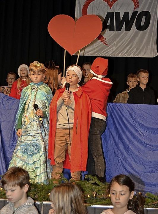 Große Freude bereitete das Singspiel der Degerfelder Schüler.    Foto: Danielle Hirschberger