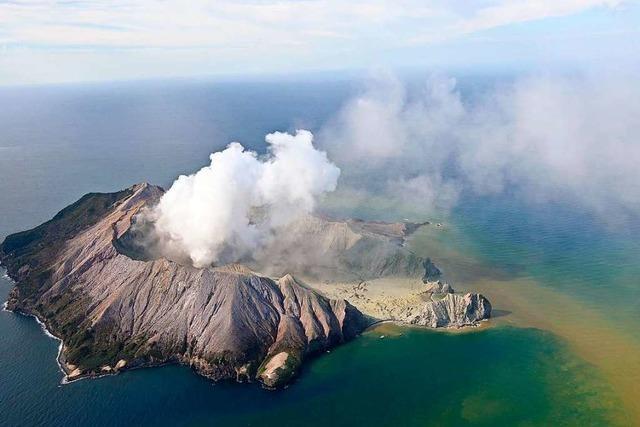 Mindestens fünf Tote nach Vulkanausbruch vor Neuseelands Küste