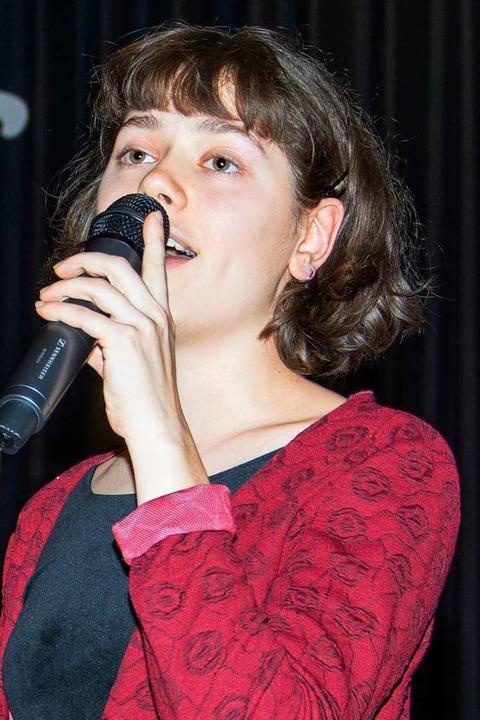 Eroberte die Herzen des Publikums: Sängerin Isabel Ernst  | Foto: Paul Eischet