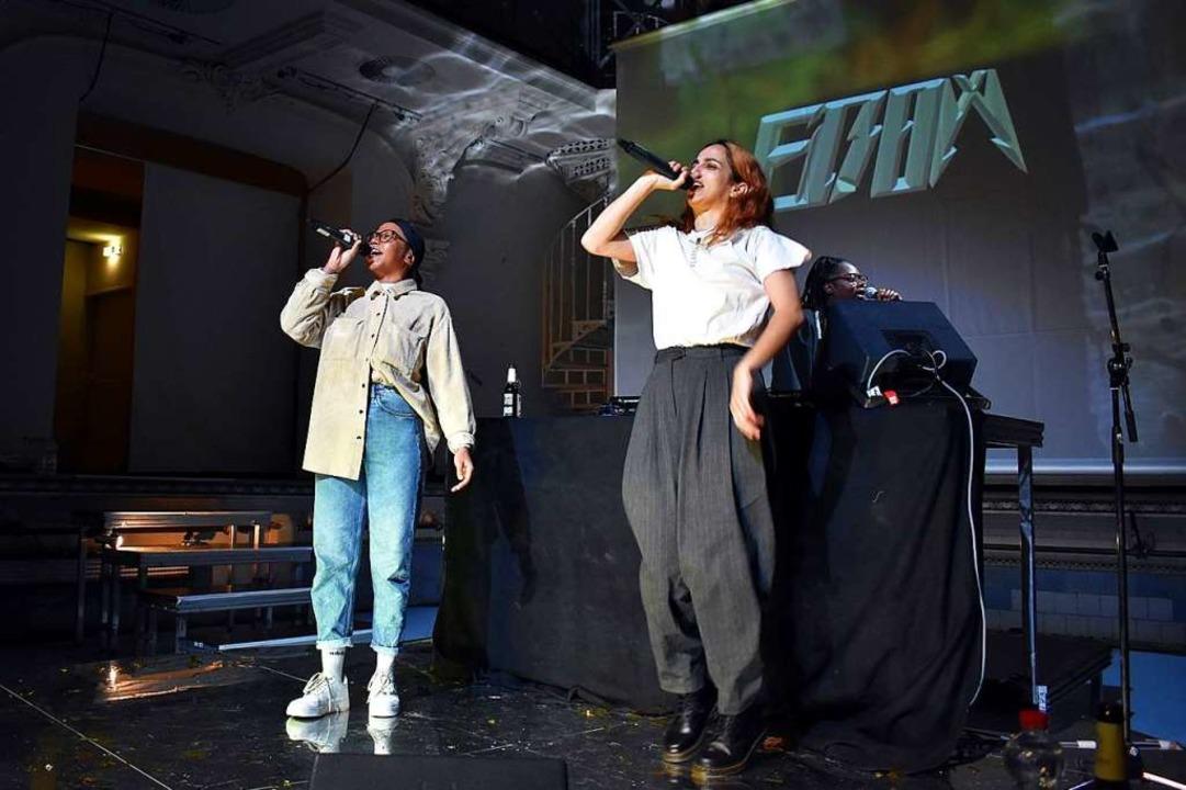 Zum 30. Geburtstag des Theaters im Marienbad trat am Sonntag auch Ebow auf.  | Foto: Stefan Mertlik