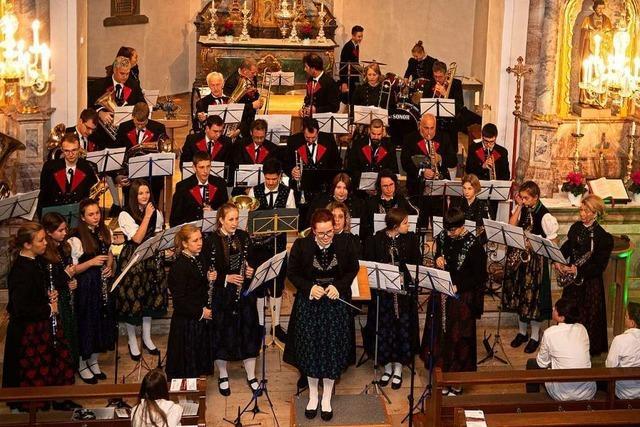 Musikkapelle gestaltet eine angenehme Stunde
