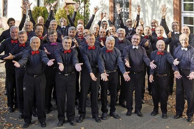 Männerstimmen im Chor: Jahreskonzert des MGV Schwarzwald