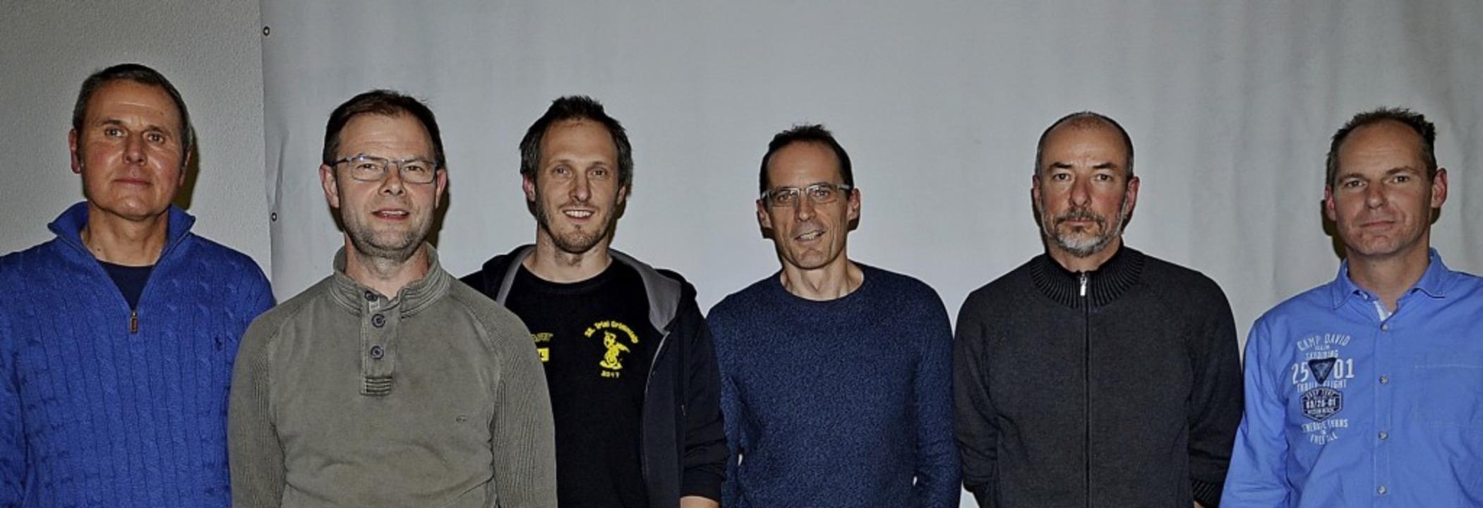 Das neugewählte AMC-Vorstandsteam: Von... sowie Schriftführer Matthias Endlich.  | Foto: Roland Vitt