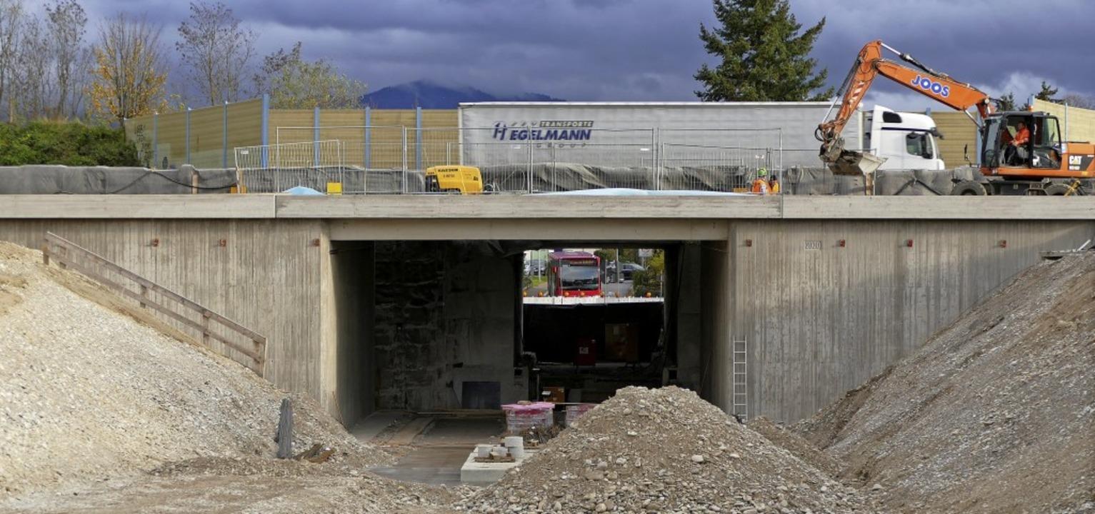 Die neue Unterführung Vogesenstraße wi...iterte Teil, im Hintergrund der alte.   | Foto: Susanne Ehmann
