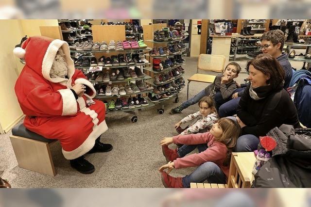 Weihnachtsmann erzählt Geschichten