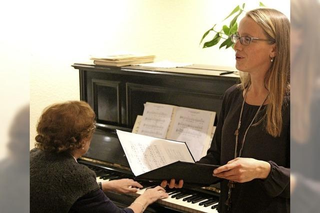 Kaffee und Klaviermusik