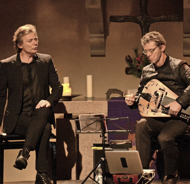 Stimmartist Christian Zehnder  (links)...ibner in der evangelischen Stadtkirche  | Foto: Annette Mahro