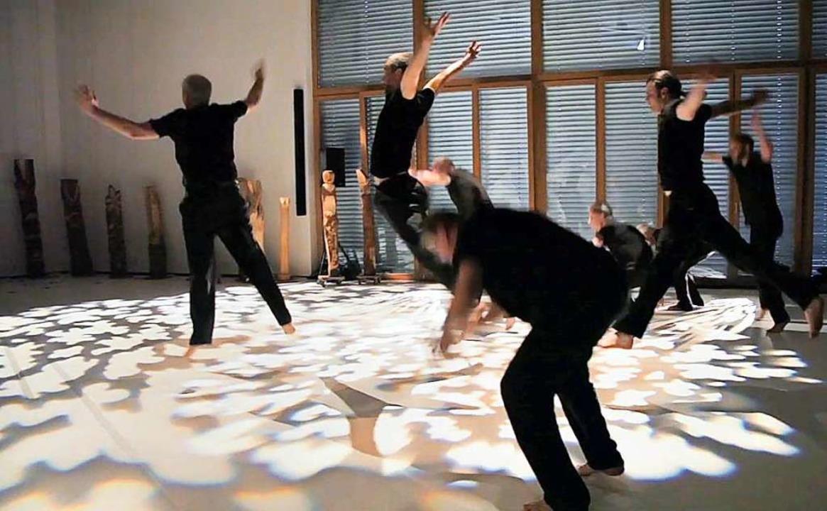 Auf dem Rosenhof und in Lörrach beginnt im Januar ein Tanzprojekt für Männer.  | Foto: Gabriel Flain