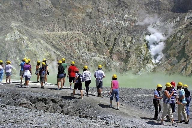 20 Menschen auf Vulkaninsel vermisst