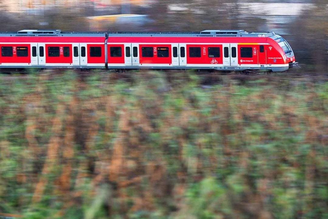 Regionalverkehr mit geänderten Zeiten    Foto: Tom Weller (dpa)