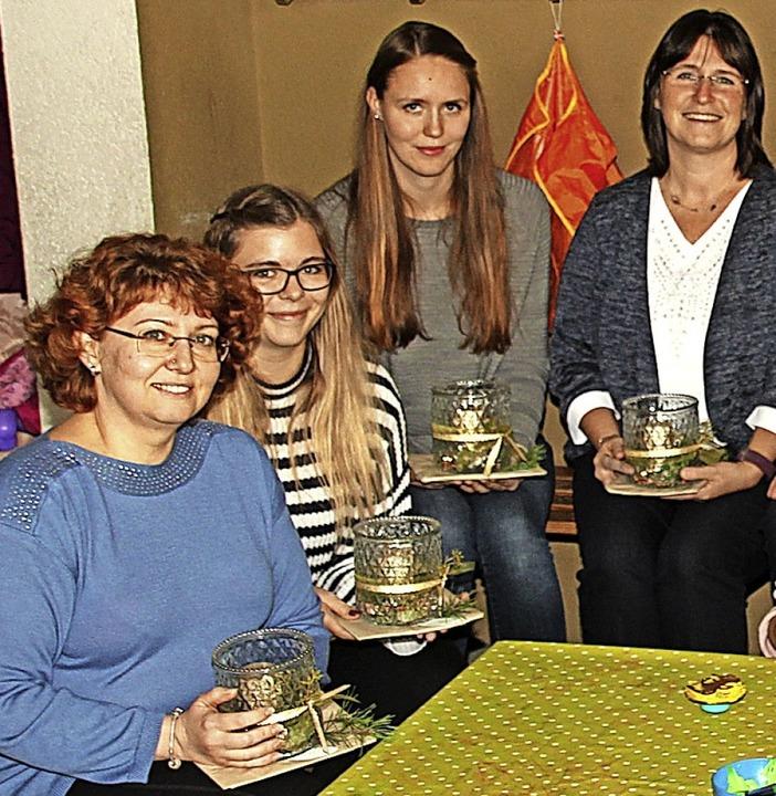 Auch für das Team der Kleinkindbetreuung hatte der Bürgermeister Präsente dabei.  | Foto: Mario Schöneberg