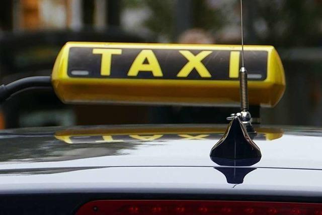 Taxifahrer hat Kundin sexuell genötigt – acht Monate auf Bewährung