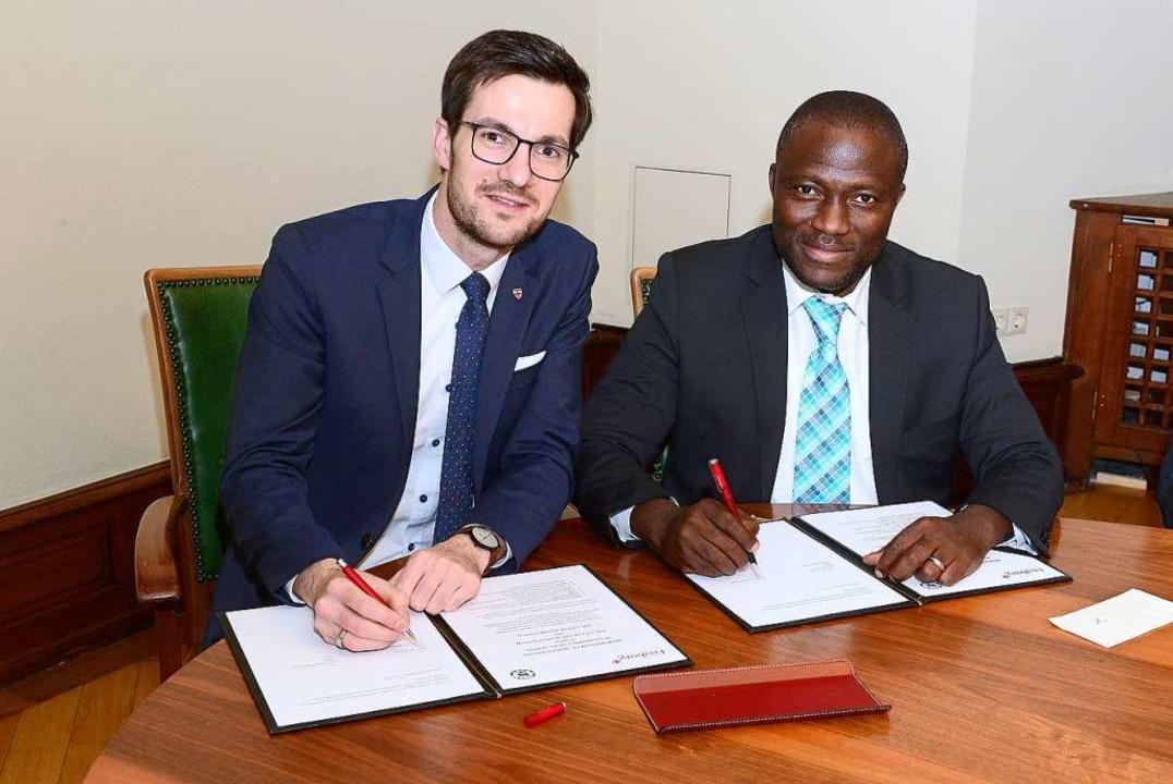 Besuch aus Ghana: Oberbürgermeister Mo...n Forschung, Bildung und Umweltschutz.  | Foto: Ingo Schneider