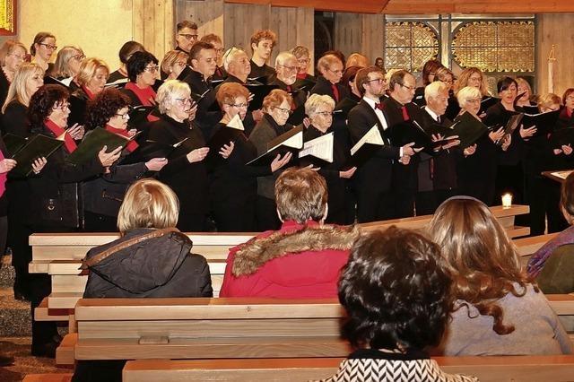 Soli, Chor und Orgelspiel im Wechsel