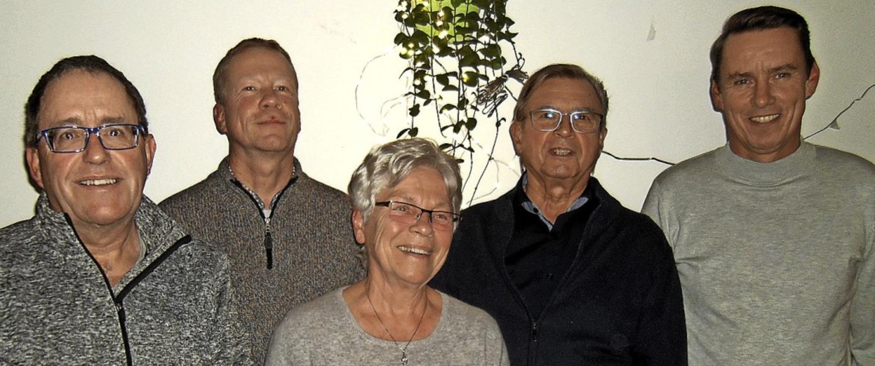 Der TC Wehr ehrte langjährigen Mitglie...ler, Roland Fricker und Joachim Delhey    Foto: Ernst Brugger