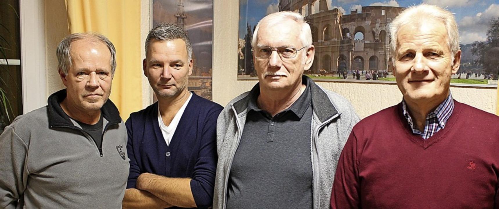 Die Wehrer Kreuzretter stellen sich ne...aus-Dieter Kasprzak und Wolfgang Fügle    Foto: Hansjörg Bader
