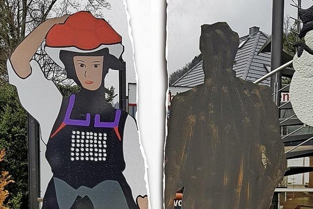 AUCH DAS NOCH: Weiter Streit um Völkles Skulptur