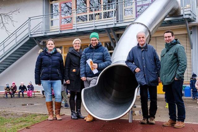 Rutschbahn für Lörracher Kindergarten St. Fridolin