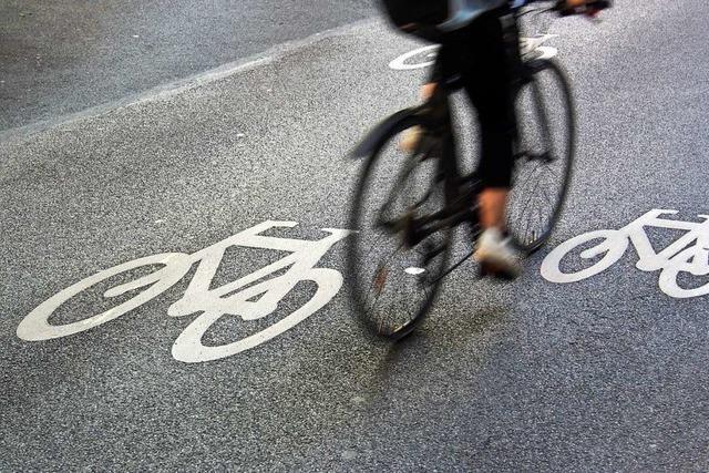 Unfall zwischen Auto und Fahrradfahrerin in Freiburg-Herdern