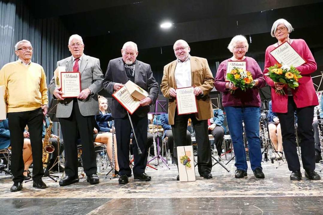 Seit 40 Jahre unterstützen sie den MV ...olz und Ursula Stannecker (von links).  | Foto: Martina David-Wenk