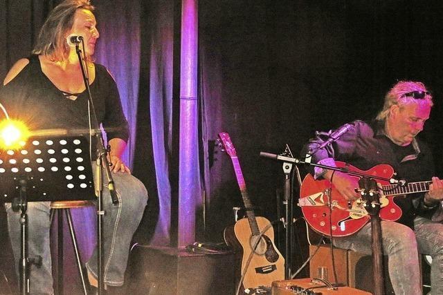 Alexis Camara und Kurt Zimmermann geben Konzert im Café Verkehrt in Murg-Oberhof