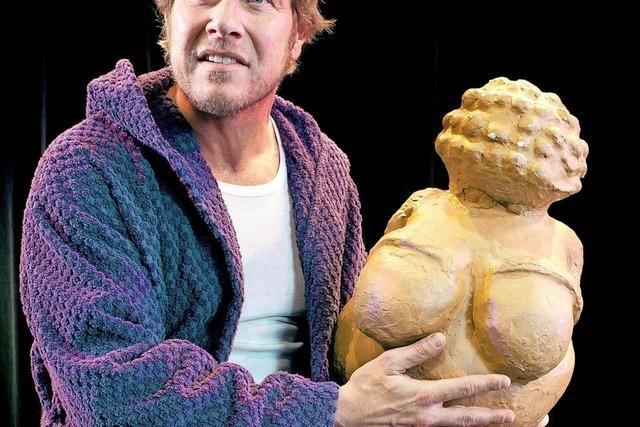Caveman alias Martin Luding gibt Vorstellung im Gloria-Theater Bad Säckingen