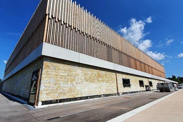 Undichtes Dach der Sporthalle im Bürgerpark bleibt ein Rätsel