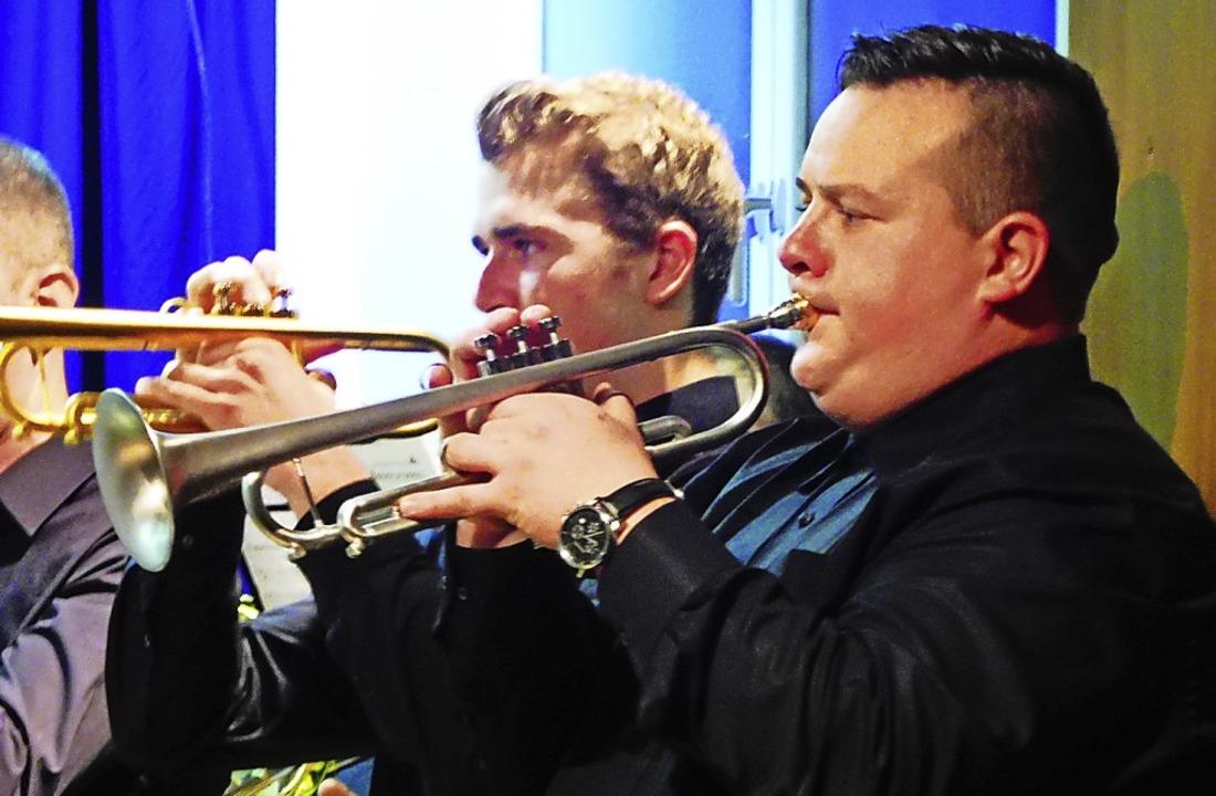 Mit Volldampf umschifften die Musiker jedes Hindernis.   | Foto: Dieter Vollmer