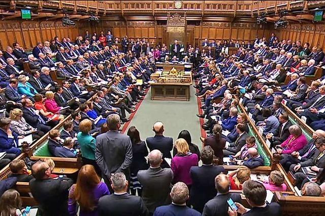 Liveblog: Großbritannien wählt ein neues Parlament