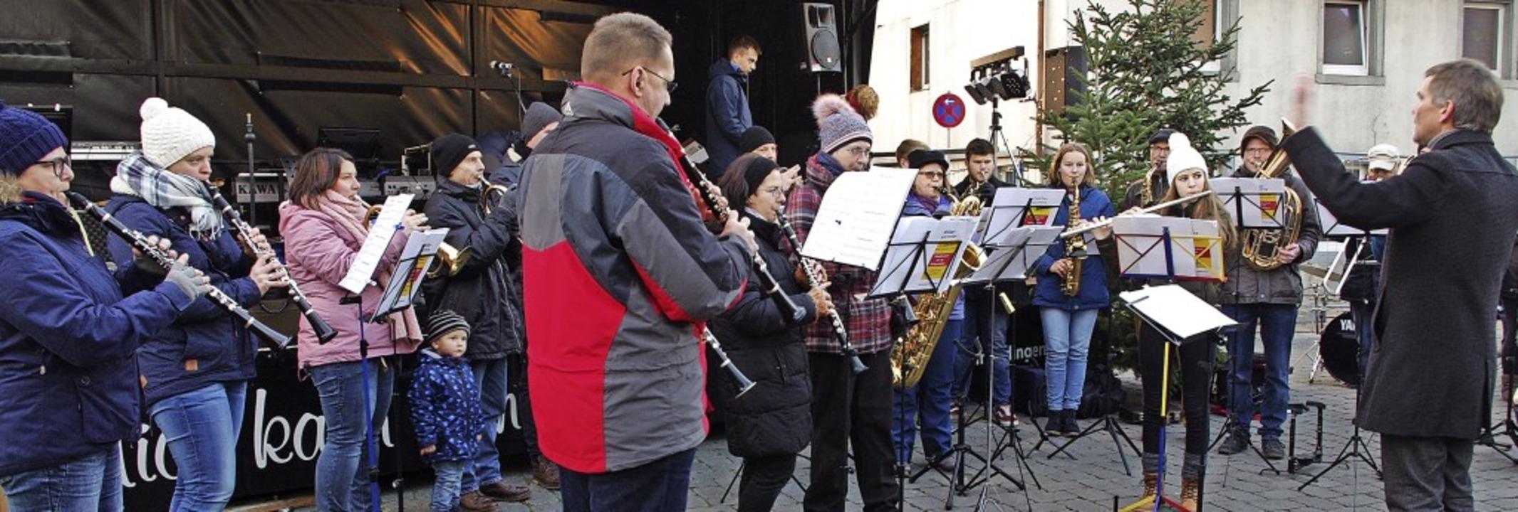 Musik ist ein wichtiger Teil des Tenin...Feuerwehrkapelle im vergangenen Jahr.   | Foto: Annika Sindlinger