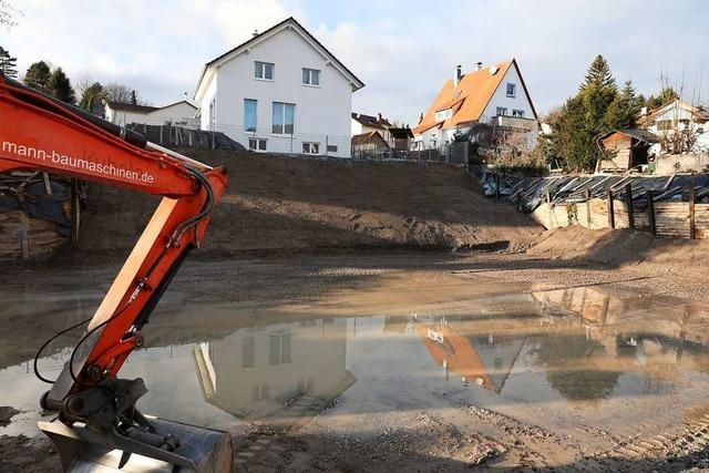 Die Baugrube musste erneut gesichert werden – Baustopp gilt weiterhin