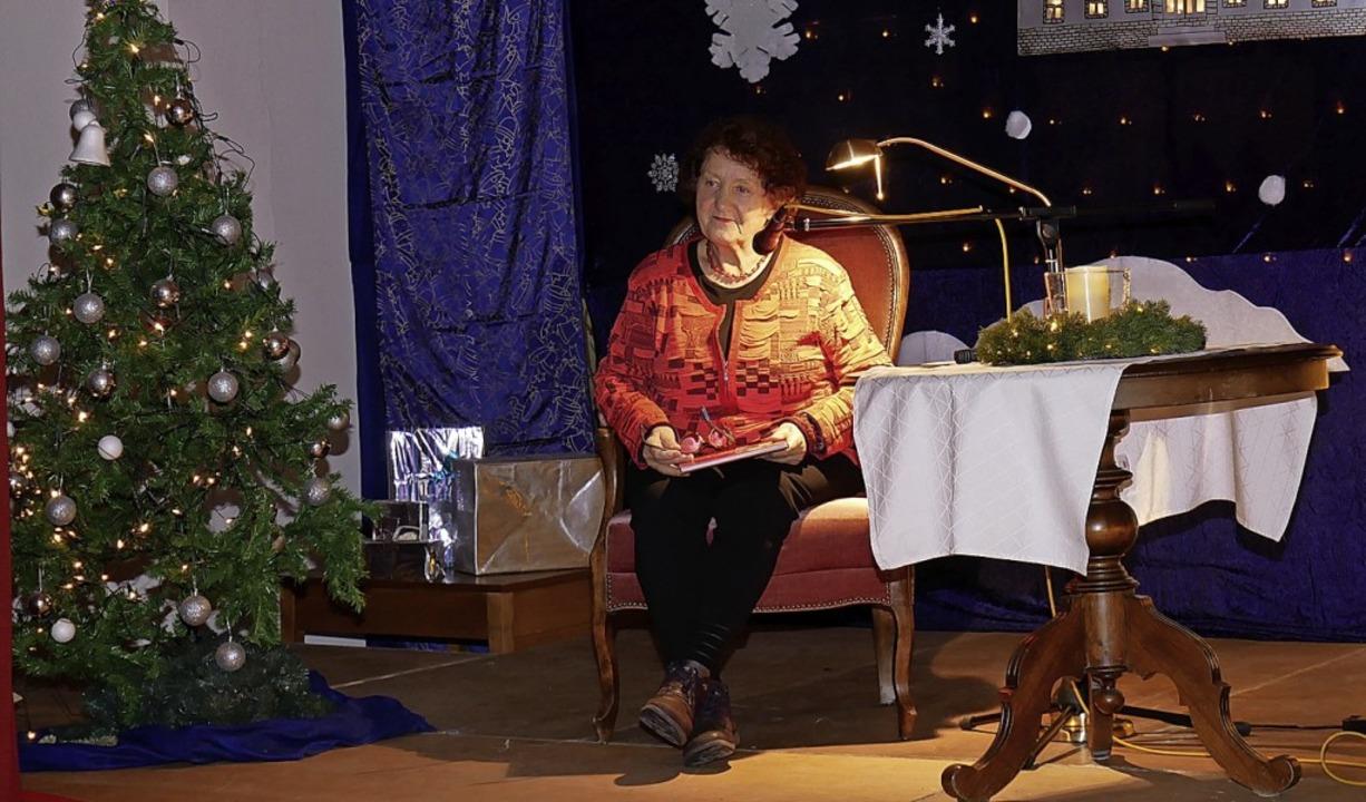 Alisia Scapin las die Geschichte vom  Schwarzwaldsepp.     Foto: Eva Korinth
